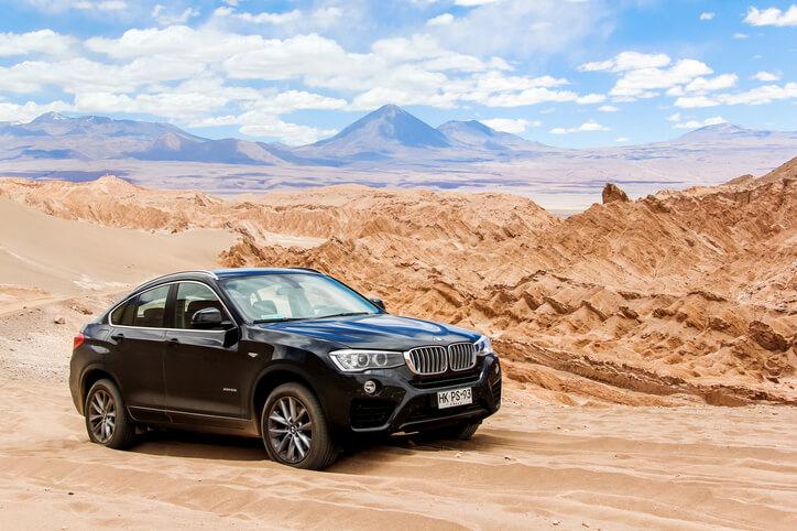 BMW X4 in desert